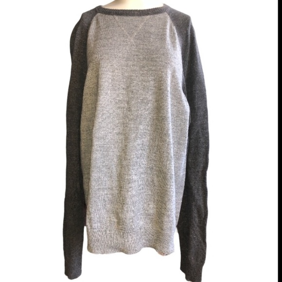 Sonoma size large two toned gray sweater
